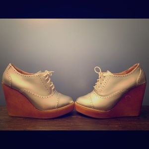 Amazing Silver Oxford Wedges